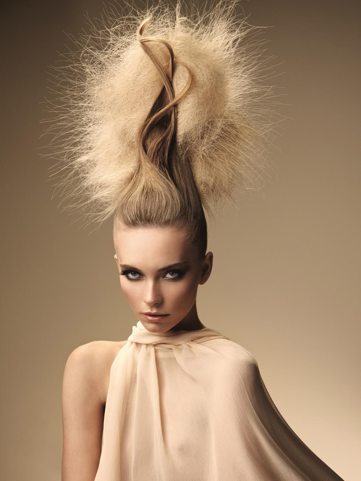 Прически для круглого лица и жидких волос фото до и после